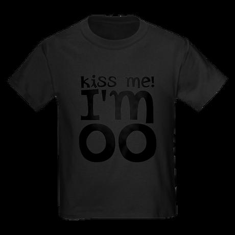 kiss me im older Kids Dark T-Shirt
