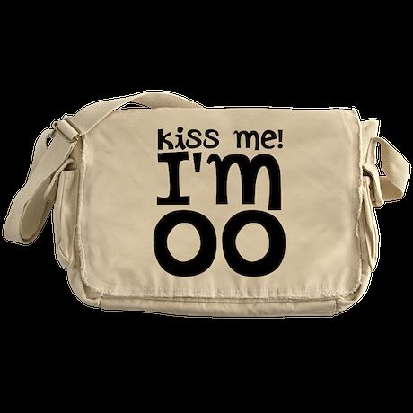 kiss me im older Messenger Bag