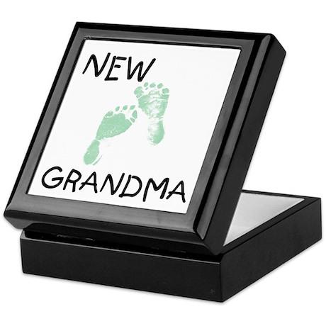 New Grandma (green) Keepsake Box