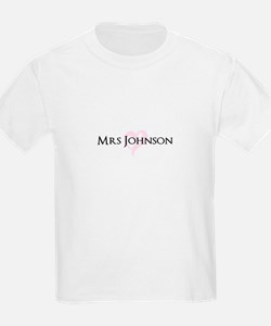 Own name Mr and Mrs set - Heart Mrs T-Shirt