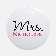 Customizable Mr and Mrs set - Mrs Ornament (Round)