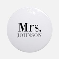 Customized Mr and Mrs set - Mrs Ornament (Round)