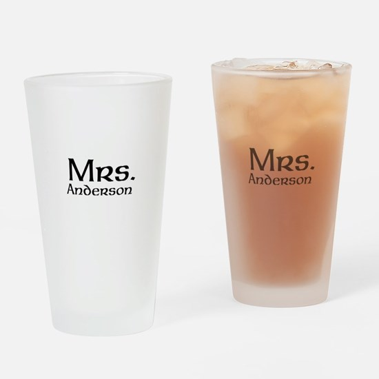 Personalized Mr and Mrs set - Mrs Drinking Glass