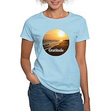 Gratitude for a beautiful be T-Shirt