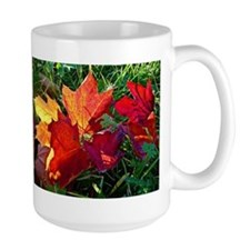 Fallen autumn leaves Mugs