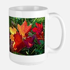 Fallen autumn leaves Mugs