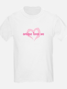 """""""enrique loves me"""" Kids T-Shirt"""