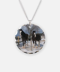 Outside Mares Winter Shire M Necklace