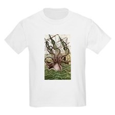 Giant Squid vs. Pirates color Kids T-Shirt