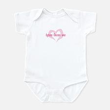 """""""tyree loves me"""" Infant Bodysuit"""