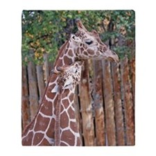 giraffe-cuddle Throw Blanket