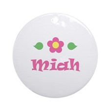 "Pink Daisy - ""Miah"" Ornament (Round)"