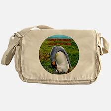 King Penguin cares for egg - Falklan Messenger Bag