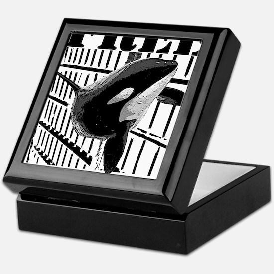 Free_Tilikum3_rgb Keepsake Box