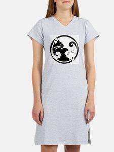 yin-yang-cats Women's Nightshirt