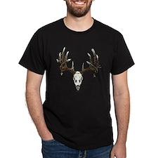 whitetail deer skull, illustration T-Shirt