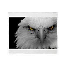 Sharp eagle eye Throw Blanket