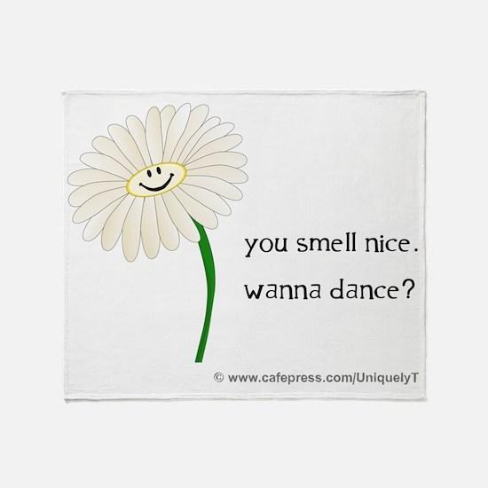 daisy_bl Throw Blanket