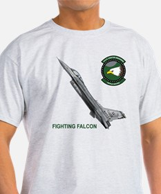 F-16_falcon_fighting T-Shirt