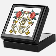 Wht Gld_wmn10 x 10 copy Keepsake Box