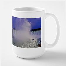 Horseshoe Falls And Boat Mug