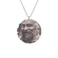 Osho, sly smile med-celegrat Necklace Circle Charm