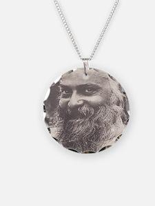 Osho, sly smile med-celegrat Necklace Circle Charm