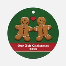 Personalize Gingerbread Couple Ornament (Round)