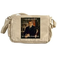 i am not a crook Messenger Bag