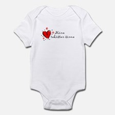 """I Love You"" [Finnish] Infant Bodysuit"