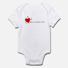 """I Love You"" [Estonian] Infant Bodysuit"