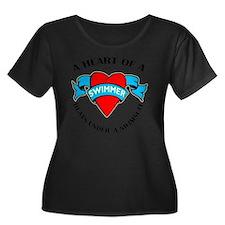 Heart of Women's Plus Size Dark Scoop Neck T-Shirt