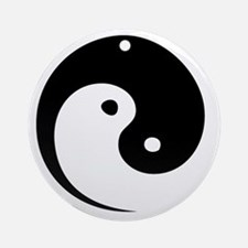 2-yinyang_hat Round Ornament