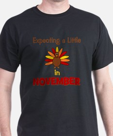 expectingalittleturkeyinnovember3 T-Shirt