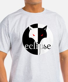 eclipse lone wolf by twibaby T-Shirt