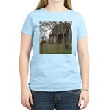 Barn Women's Light T-Shirt