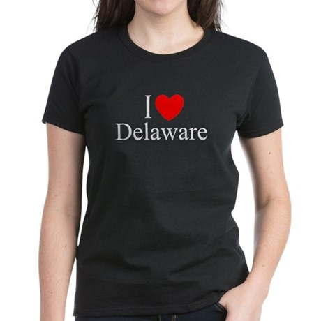 """""""I Love Delaware"""" Women's Dark T-Shirt"""