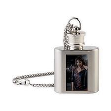 Jennifer_Rush_80er__158852k Flask Necklace