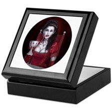 countess oval Keepsake Box