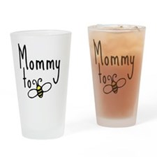 bee_mommy Drinking Glass