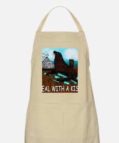 SEAL WITH A KISS T Shirt Apron