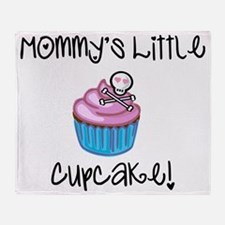 Mommys cupcake skull Throw Blanket