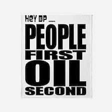 oil2 Throw Blanket