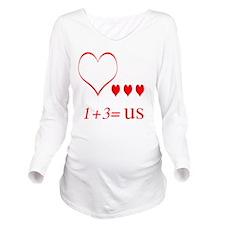 heartoneplusthreeuse Long Sleeve Maternity T-Shirt