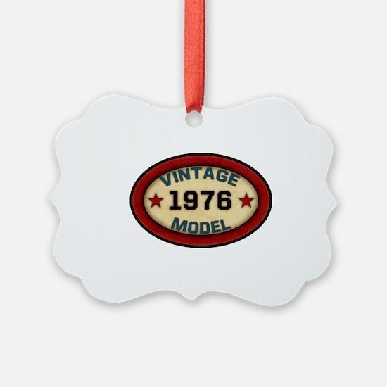 vintage-model-1976 Ornament