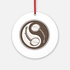 banjo-yang-brn-T Round Ornament