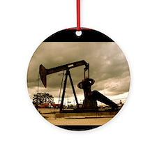 Texas_Pumpjack_0998_300dpi_5x7 Round Ornament