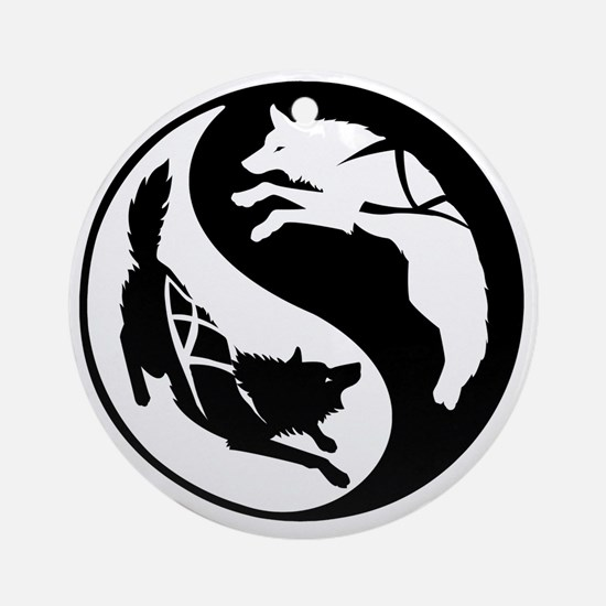 yin_yang_dogs Round Ornament