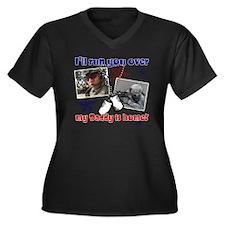 cara1 Women's Plus Size Dark V-Neck T-Shirt