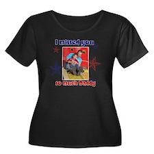cara2 Women's Plus Size Dark Scoop Neck T-Shirt
